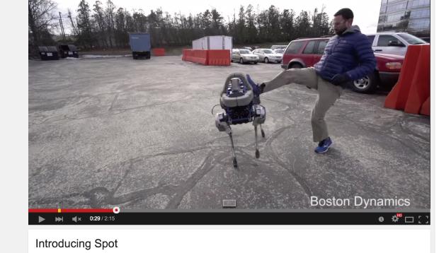 蹴られた犬ロボット