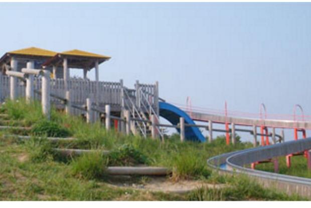 宮城県の動物園のモーランド・本吉のローラースライダー